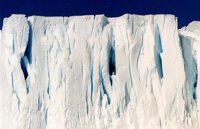 Antarctica pictorial 04 glacier face