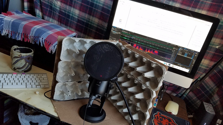 Homemade recording booth reduced size with microphone and pop filter