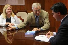 Chaco Governor Capitanich Cayendo Hacia Arriba